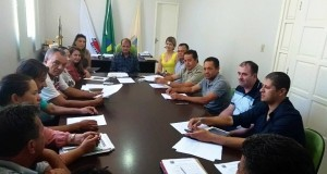 Reunião do Sr.Prefeito Municipal, Secretários e Adjuntos